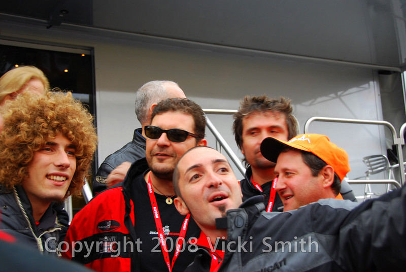 SIMO!!!  He's hard to miss with all that hair and the crowd treats him like a rock star.