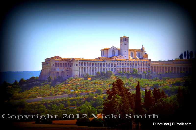 This day we had a stop planned at a city that's been at the top of my bucket list for a while now......Assisi