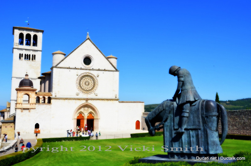 With a couple of hours to kill, most of us head straight for the famous church. The statue out front is of St. Francis.