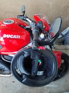 Lidlox 6130 on a Ducati 821 Monster with Mirrors