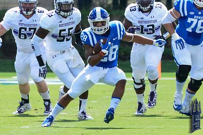 Shaquille Powell with the run against Northwestern / Duke Blue Devils / Photo by Chris Summerville