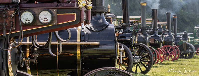 Traction engine line up 2 (banner)
