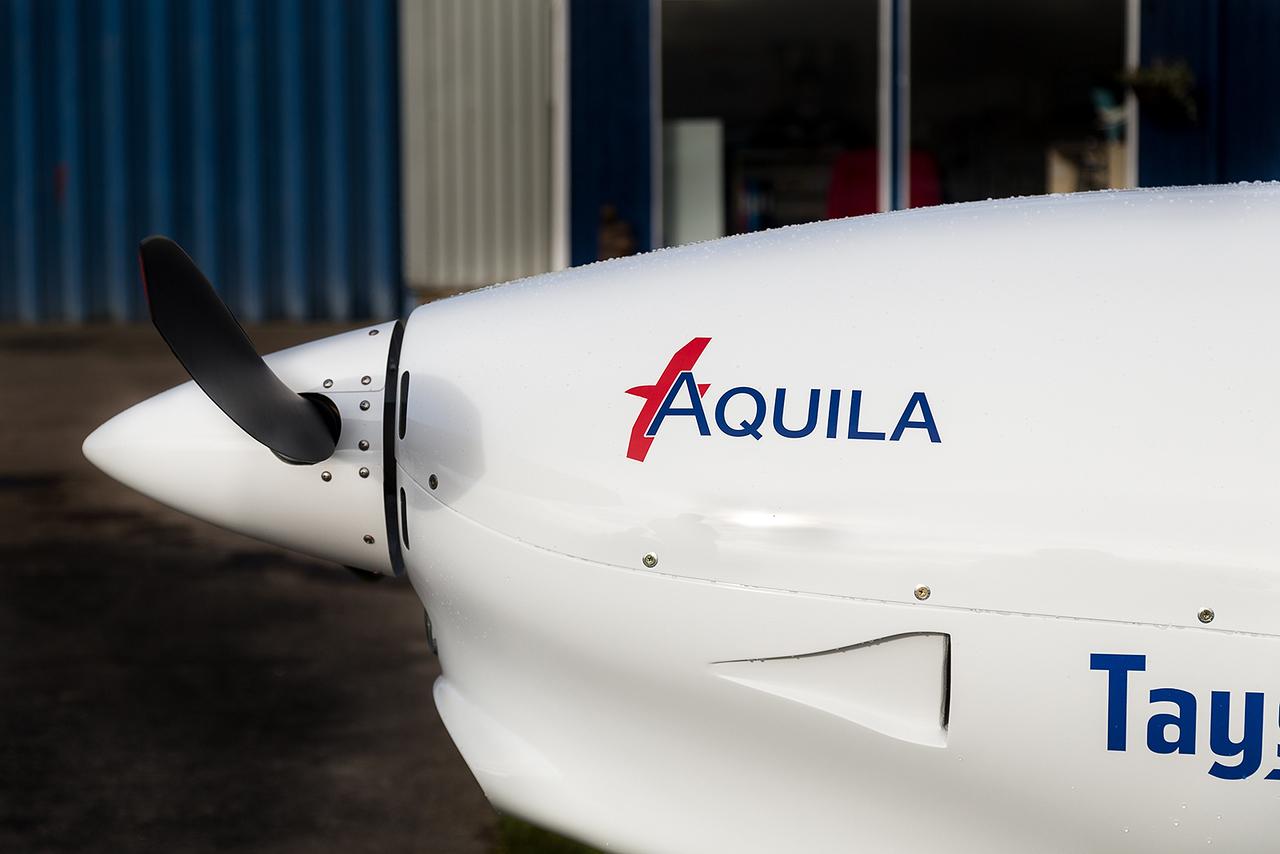 8; G-TSDA Aquila A112, Tayside Aviation