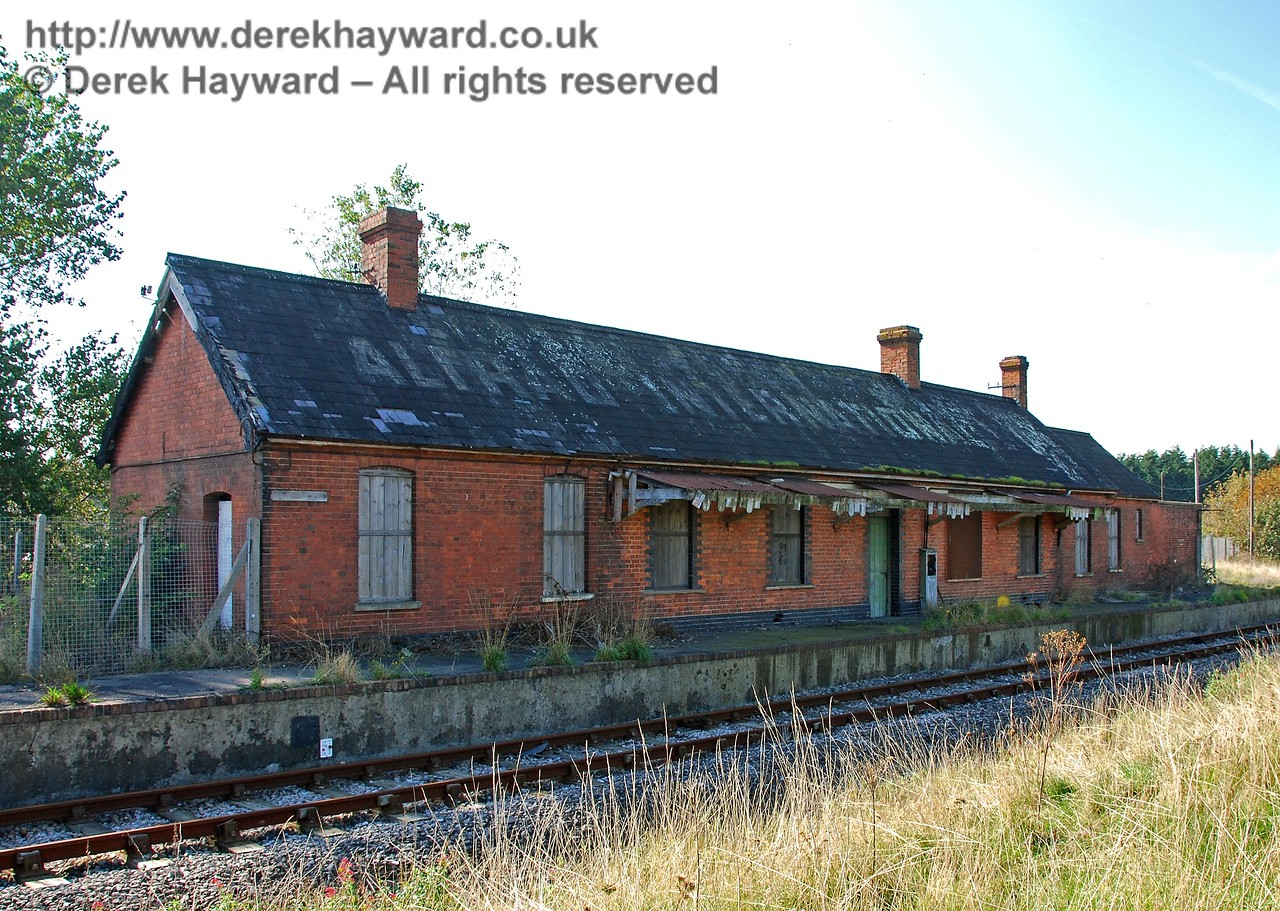 The platform side of Lydd Town Station looking west on 27.09.2008