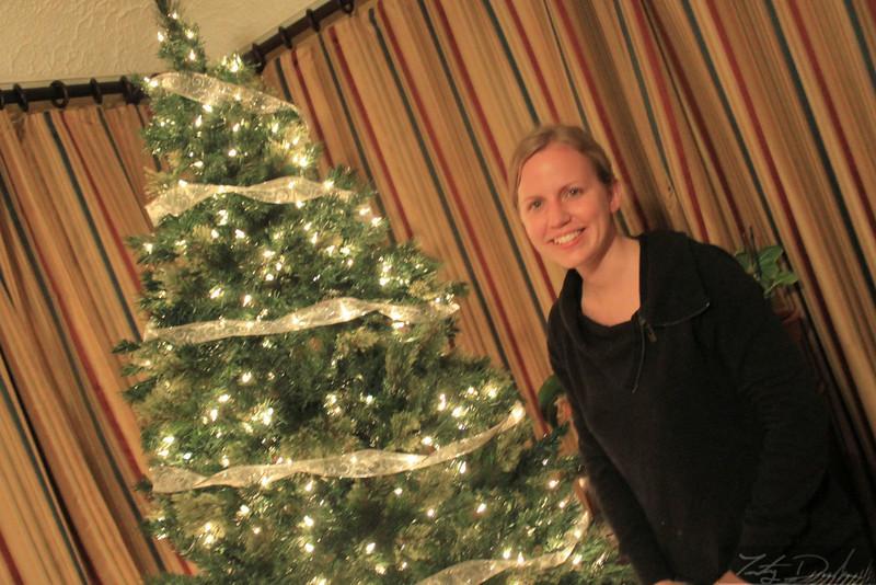 Gina & Paula decorating the tree