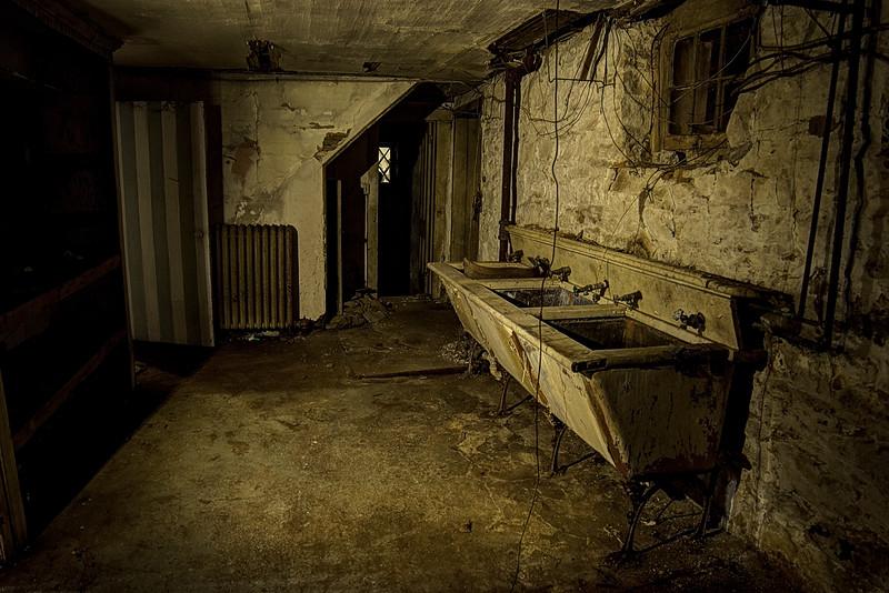 Dunster-Squibb Kitchen Sink