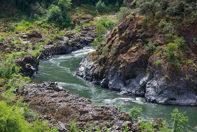 A brief glimpse of Horseshoe Bend from high above on the Rogue River Trail.