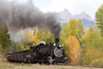 Locomotive 480 coupled with the Rio Grande Coal tender