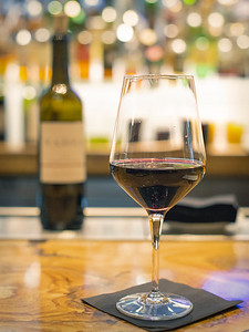 Durham_21c_CountingHouse_WineGlass_2152019