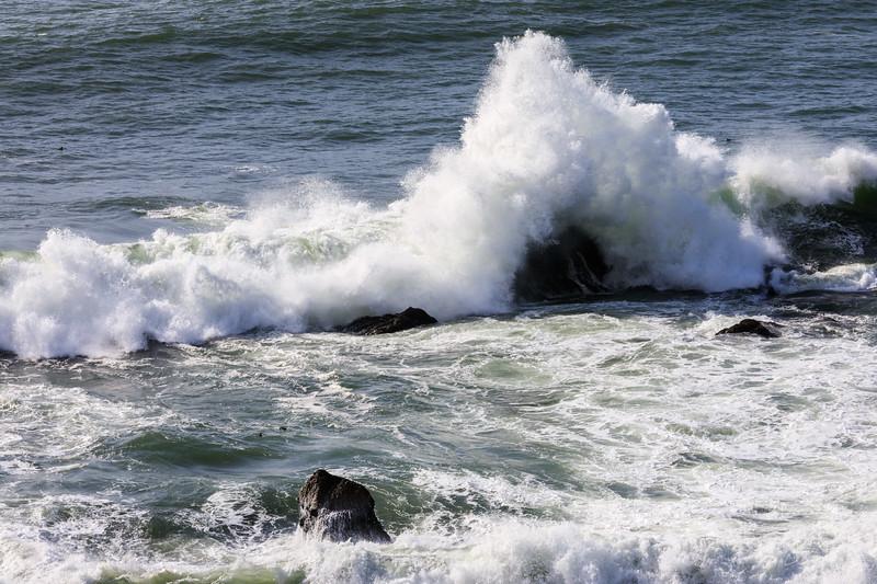 Wave Crashing @ Pacifica