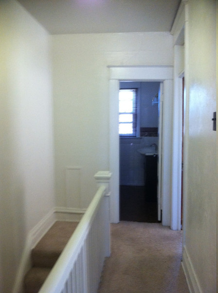 upstairs hallway from 2nd room