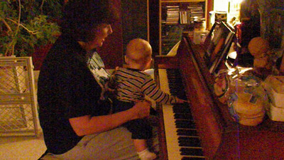 2009.11.24 - Dylan on the Piano.