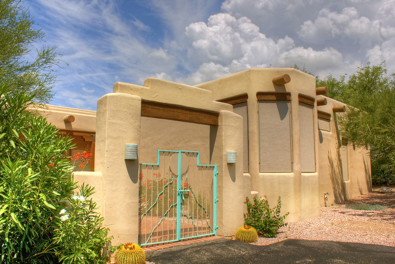 This home has been sold - for other Mike Rapp listings call:  (520) 548-9741