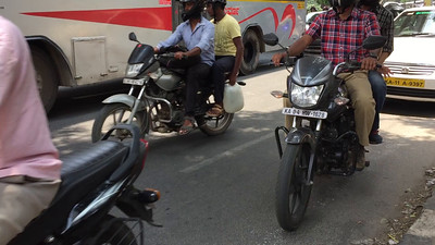 Crossing the stree in traffic in Bangalore