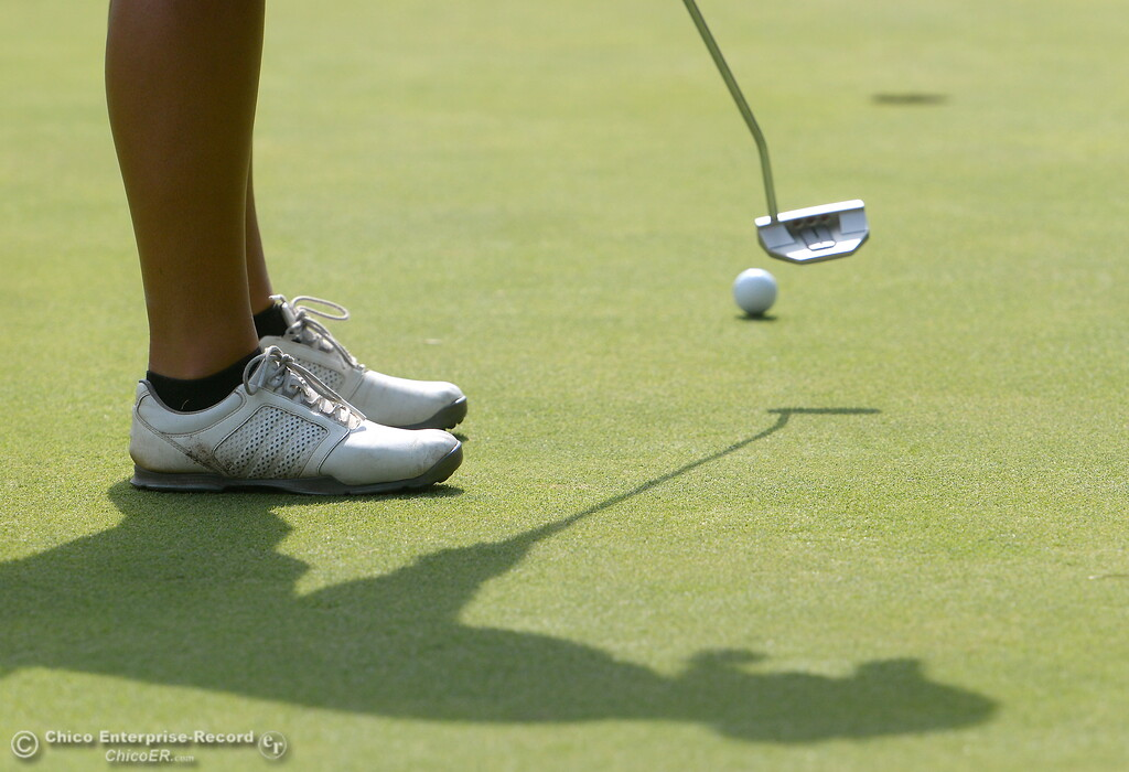 . PV Golfer Jackie Lucena watches her putt on the 10th hole  during the Eastern Athletic- Sacramento River League girls golf championships at Butte Creek Country Club in Chico, Calif. Monday Oct. 16, 2017. (Bill Husa -- Enterprise-Record)