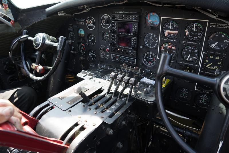 B 17 LINC-04037