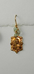 8-RM205-GA CO33 SACRED HEART EARRING WITH GREEN AMETHYST