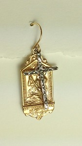 "8-RM223/34 CO45  ST CHRISTOPHER WITH STERLING CROSS  1 3/8"" TALL X 1/2"" WIDE"