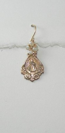 8-RM141-WP CO36  MIRACULOUS MEDAL WITH WHITE PEARLS.  THESE KIND OF EARS CAN BE DONE IN ANY STONE OR PEARL.