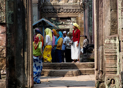 INDONESIAN TOUR GROUP - PREAH KHAN TEMPLE