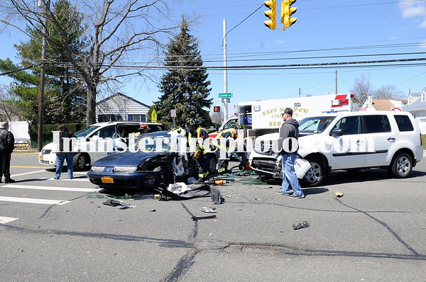EAST MEADOW FD MVA CARMAN AVE NOTTINGHAM RD