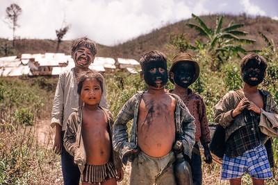 Child war games in Dak Pek