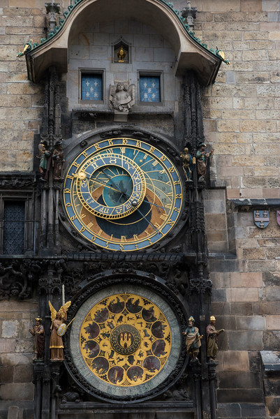 The Town Hall Clock (Astronomical Clock) performs every hour on the hour from 9am to 9pm.