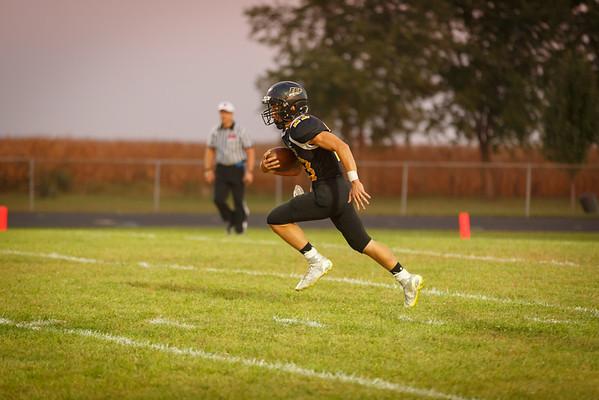 Eddyville, Iowa September 25, 2015-Eddyville, Blakesburg, Fremont High school football. Courier photo by Dan L. Vander Beek