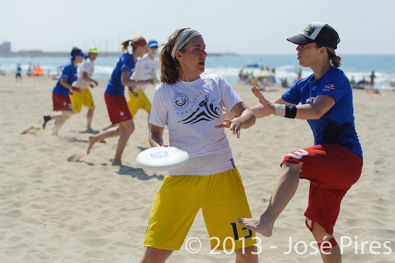 ECBU 2013. Calafell. Spain.<br /> France vs United European Islands. Women's Masters Division.<br /> PhotoID : 2013-06-29-1141