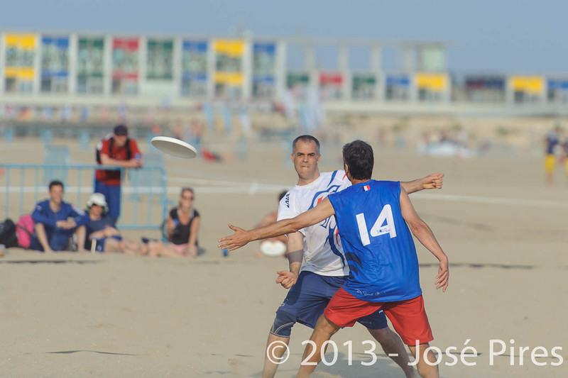 ECBU 2013. Calafell. Spain.<br /> Great Britain vs France. Grand Masters Division.<br /> PhotoID : 2013-06-27-0163