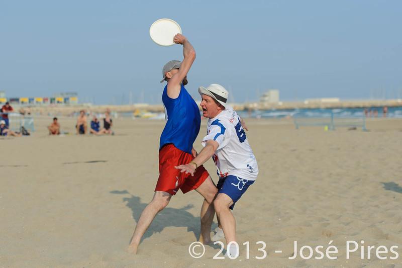 ECBU 2013. Calafell. Spain.<br /> Great Britain vs France. Grand Masters Division.<br /> PhotoID : 2013-06-27-0200