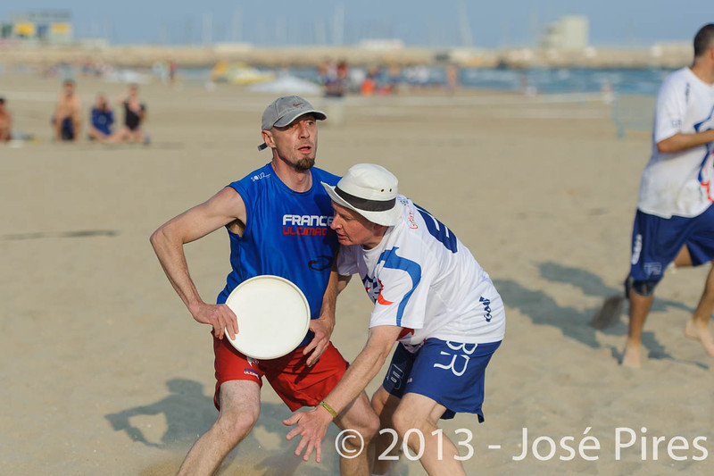 ECBU 2013. Calafell. Spain.<br /> Great Britain vs France. Grand Masters Division.<br /> PhotoID : 2013-06-27-0197