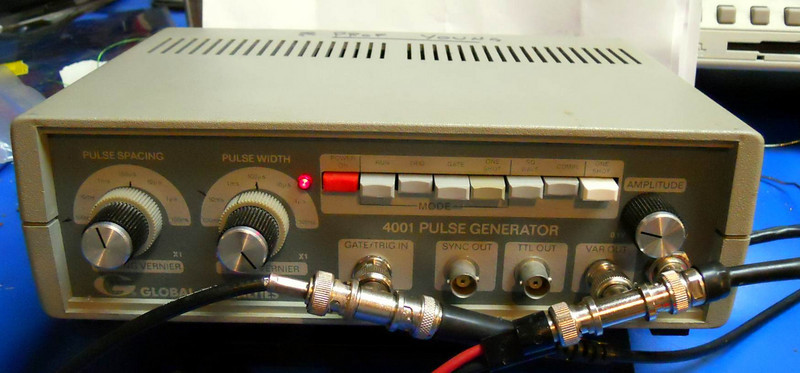 Settings on Prof Young's Pulse Generator. Must use the Complimentary (inverted) output and turn off the square waves.