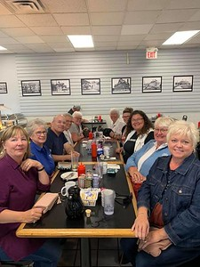 ECN Breakfast -Peterborough 19-09 - hosted by Brenda Thistle at Dave's Diner - Wendy, Jacklyn, Marianne, Nicole, Mary, Connie, Sheryl