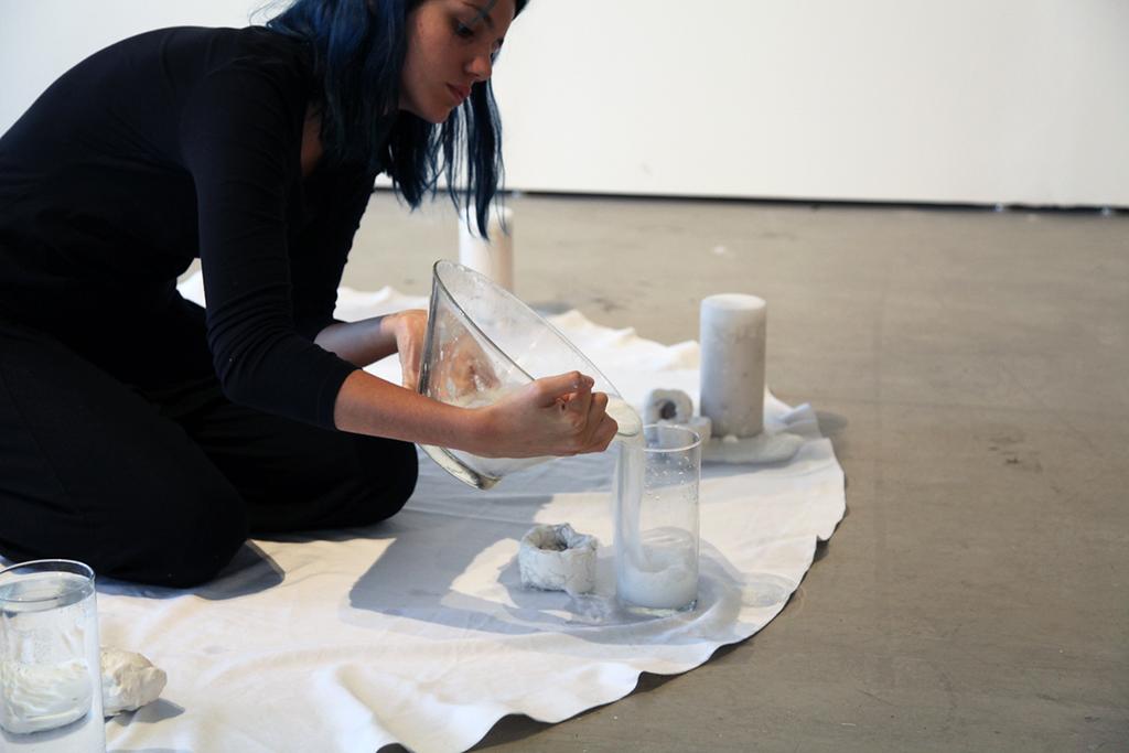 Carolina Larrosa, Material Manipulation