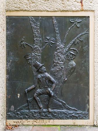Gotthelf Schlotter DS, Dreibrunnen-Relief: Datterich