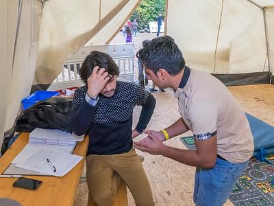 Sina A., Helfer in der Unterkunft für Flüchtlinge in der Hirtengrundhalle Eberstadt, September 2015