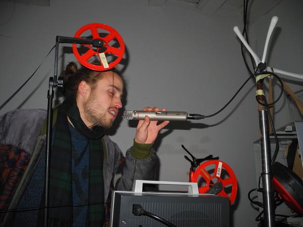 DEMIAN eine kinematographische Installation* von Etienne Jourdan im Earl Street Darmstadt am 6. Februar 2015, Etienne Jourdan entwickelte das Projekt im Zuge seiner Bachelorarbeit im Fachbereich Digitale Medien - Schwerpunkt Sound and Music an der Hochschule Darmstadt  (Foto: Christoph Rau)