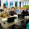 Hochschule Darmstadt: Patrick Nejad, Marvin Hofmann und Patrick Merkel (von links) lernen im Glaskasten in der Schöfferstraße  (Foto: Christoph Rau)