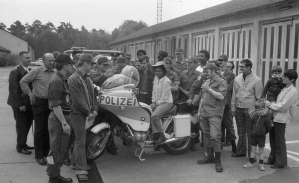 Darmstadt-German-American week-1975-Police working together-