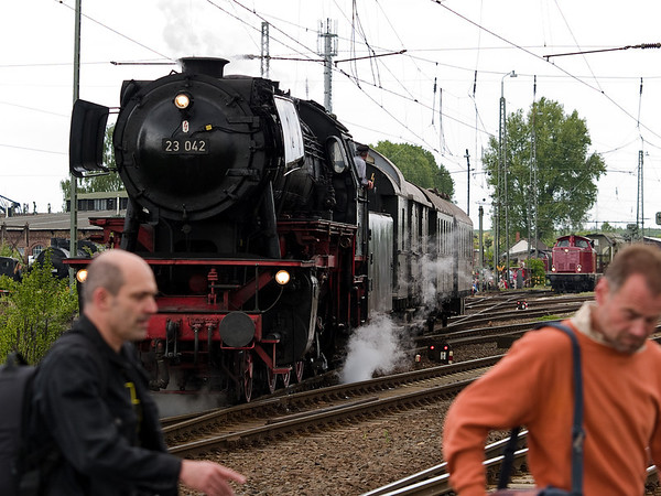Lok 23 042 im Eisenbahnmuseum Darmstadt-Kranichstein während der Bahntage 2010