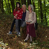 5. Internationaler Waldkunstpfad »Freiheit und Wildnis« vom 2.8.-26.9.2010 im Wald am Böllenfalltor, Darmstadt; Hans Joachim + Inge Landzettel mit Enkelin