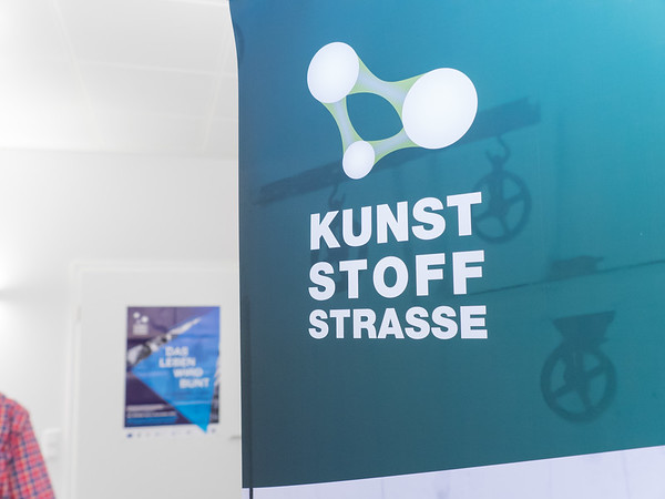 Kunststoffstrasse im Landkreis Darmstadt-Dieburg: Bakelit-Herstellung in der Roland Merz Ersatzteil-Manufaktur, Ober-Ramstadt, 31.Oktober 2016