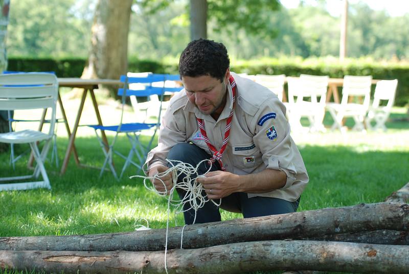 Aux scouts, on fait des nœuds.