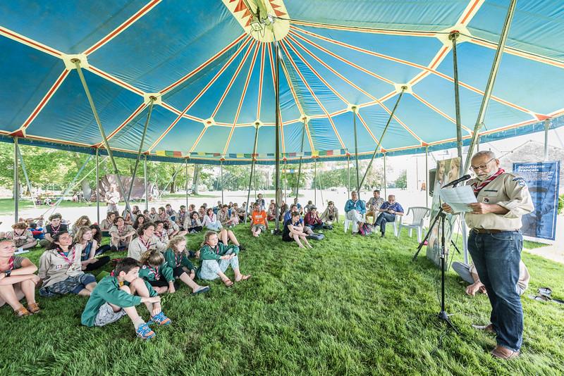 Georges Lançon refait l'histoire des EDLN devant l'assemblée scoute