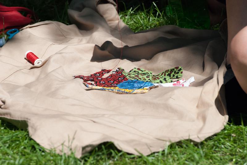 Couture sur une chemise EDLN