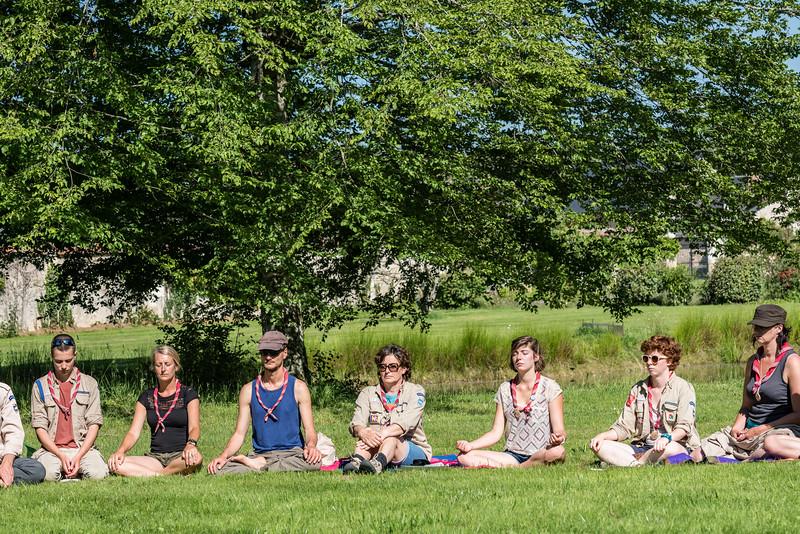 Méditation sous le soleil, ça tape !