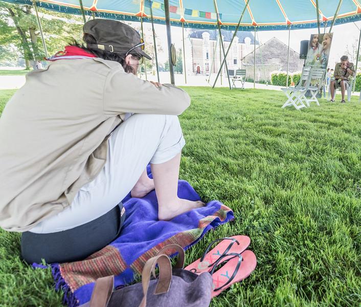 Une autre façon d'éviter les tiques et de méditer à l'ombre #10AnsEDLN