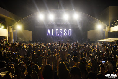 Alesso at The Palace Pool Club (32)