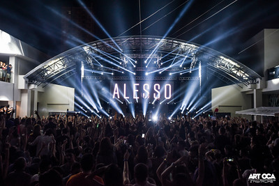 Alesso at The Palace Pool Club (27)